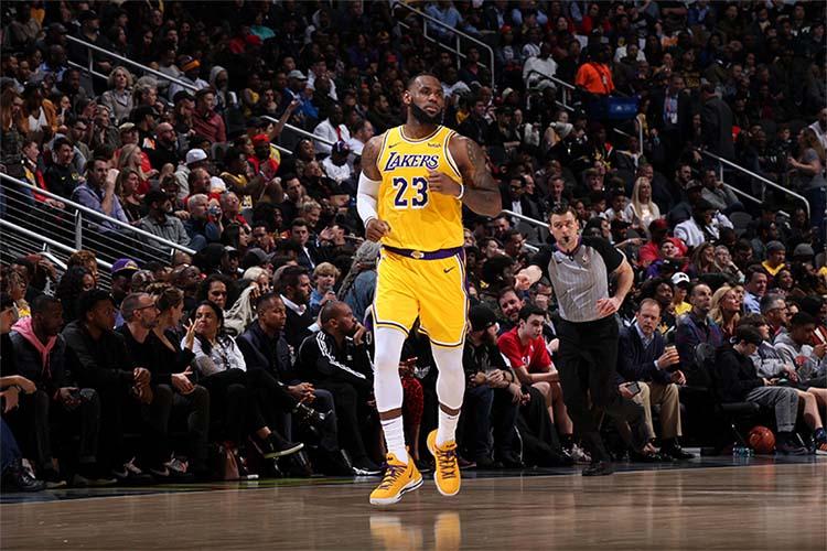LeBron James altezza peso